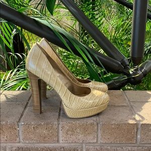 Bcbgeneration Jodie Textured Pumps size 8.5 Tan